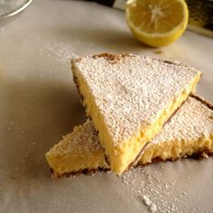 Εύκολα / γρήγορα - The one with all the tastes Lemon Recipes, Greek Recipes, Wine Recipes, Food Network Recipes, My Recipes, Dessert Recipes, Cooking Recipes, Fruit Dessert, Breakfast Recipes