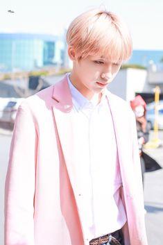 Cre: Win your smile Taeyong, Jaehyun, Nct 127, Ntc Dream, Nct Winwin, Mark Nct, King Of Hearts, Yugyeom, K Idols