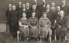 Säynätsalon osuuskaupan hallitus  ja henkilökunta vuonna 1925