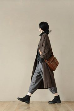 Linen Long Shirt Dress With Pants Fashion 2017, Look Fashion, Korean Fashion, Winter Fashion, Fashion Trends, Tokyo Fashion, Japan Fashion Casual, Japan Street Fashion, Fashion Outfits