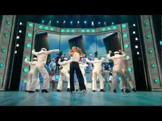 Anything Goes - Sutton Foster (2011)  Erin's Note: Looks good! wish I could have seen it.