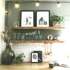 vintage home accents home accents shelves Metrofliesen und tolle Deko-Accessoires in der Kche Kitchen Decor, Kitchen Inspirations, Kitchen Colors, Decor, House Interior, Home Kitchens, Interior, Mid Century Kitchen, Home Decor