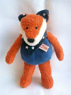 """Diese Spieluhr kann ein guter Freund, liebstes Kuscheltier und bester """"Einschlafhelfer"""" sein! Der Fuchs ist aus Frottee und Nickystoff gearbeitet und daher schön weich! Augen und Nasenlöcher..."""