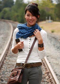 Female Nathan Drake Uncharted Cosplay - Train Tracks