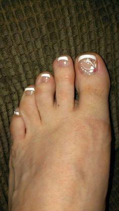 Wedding pedicure ideas toenails fingers 38 Ideas for 2019 Pretty Pedicures, Pretty Toe Nails, Fancy Nails, French Pedicure Designs, Toenail Art Designs, Toe Designs, Pedicure Nail Art, Toe Nail Art, Pedicure Ideas