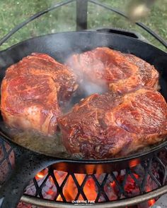 Try these sweet ribeyes using my new coffee rub with infused beer flavor! Music: Dome Musician: Jeff Kaale Grilled Steak Recipes, Meat Recipes, Cooking Recipes, Healthy Recipes, Cuisines Diy, Cooking The Perfect Steak, Summer Grilling Recipes, Fire Cooking, Campfire Food