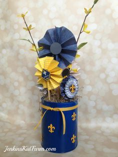 Jenkins Kid Farm: Blue and Gold Banquet Centerpiece - Lollies In A Can Tiger Scouts, Cub Scouts, Girl Scouts, Scout Mom, Banquet Decorations, Banquet Ideas, Sports Banquet Centerpieces, Boy Scout Crafts, Arrow Of Lights