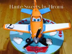Dusty Crophopper Birthday Cake I made this cake for my son's birthday. This was the first time I made a airplane cake and since. Planes Birthday Cake, 4th Birthday Cakes, Minion Birthday, Brithday Cake, Birthday Ideas, Birthday Parties, Disney Planes Cake, Disney Cakes, Dusty Cake