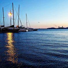 Finti tramonti per finti romantici. . . . . . #sunset #sun #orizon #sky #sea #blue #port  #colorsoftheday #beautiful #colors #colorfull #home #picoftheday #instagood #traditions #sardinia #instagood #colorful #style #swag #tweegram #dailymotivation #inspirationalquote #motivator #positivethinking #motivationalspeaker #motivateyourself #motivationquote