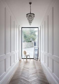 Dazzling Hallway Lighting Ideas that'll Impress You - Momo Zain Flur Beleu. Dazzling Hallway Lighting Ideas that'll Impress You – Momo Zain Flur Beleuchtungsideen mode Wainscoting Kitchen, Dining Room Wainscoting, Wainscoting Ideas, Faux Wainscoting, Wainscoting Nursery, Wainscoting Height, Upstairs Hallway, Entry Hallway, Dark Hallway