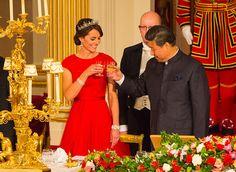 Kate Middleton brinda com o presidente da China Xi Jinping