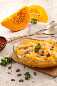 Pumpkin gratin in the county Savoury Dishes, Food Dishes, Main Dishes, Appetizer Recipes, Snack Recipes, Drink Recipes, Paris Food, Tumblr Food, Homemade Cheese