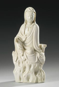 A 'DEHUA' FIGURE OF GUANYIN QING DYNASTY - Sotheby's
