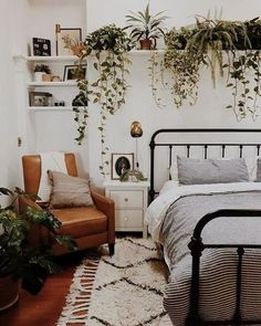 Check this post out for a list of trendy bedroom ideas to copy! Get the Pinterest perfect bedroom. Comfy bedroom, bedroom ideas, bedroom ideas for girls, boho bedroom, college bedroom ideas, college girl bedroom, apartment bedroom, bedroom ideas for small Couple Bedroom, Small Room Bedroom, Cozy Bedroom, Small Rooms, Modern Bedroom, Bedroom Decor, Bedroom Ideas, Trendy Bedroom, Bed Room