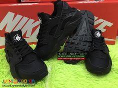 Nike Air Huarache - 9A - COUPLE SHOES Nike Air Huarache, Air Jordans, Sneakers Nike, Footwear, Couples, Stuff To Buy, Shoes, Women, Fashion