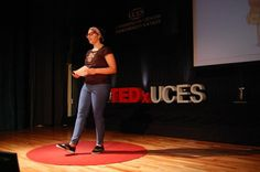 """""""El pobre es pobre en familia, en sueños, en experiencia, en ideales, en fuerza y encima no tiene un peso"""" #RoiBenítez #TEDxUCES"""