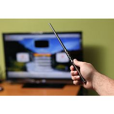 Harry Potter fans can now control any TV with the flick of the wrist with this magic wand TV remote control! This magic wand TV remote control has 13 different gestures to do everything from turn the TV on and off to changing the volume or channel. Cadeau Harry Potter, Harry Potter Wand, Harry Potter Love, Baguettes Harry Potter, Unusual Gifts For Men, Unique Gifts, Fun Gifts, Geek Gifts, Special Gifts