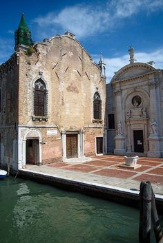 Venedig – Cannaregio – Kirche der Barmherzigkeit – GAA Architecture – Join the world of pin Cool Places To Visit, Places To Travel, Places To Go, Venice Travel, Italy Travel, Italy Tourism, Italy Holidays, Visit Italy, Northern Italy