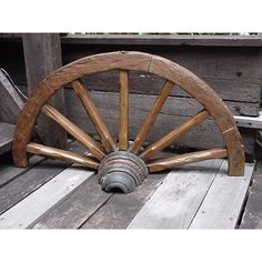 Handmade Groovystuff Brown Teak Dry Gulch Wagon Wheel (Thailand) (Dry Gulch Wagon Wheel), Outdoor Décor