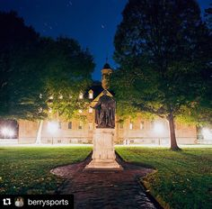 We love this nighttime #WrenCrushWednesday #wmregram c/o @berrysports  Lord Botetourt and the Wren Building.  For #wrencrushwednesday  #sirchristopherwren #lordbotetourt #colonialwilliamsburg #Kodak #Portra400 #film #Hasselblad #MillersLab #timeexposure (50 sec at f/5.6) by william_and_mary