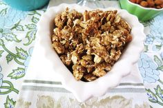 Peanut Butter Granola l Per 1/2 cup serving: 184 cal and less than 1 g of sugar!