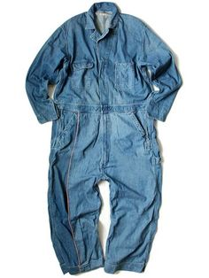 Denim workwear overalls - uptrending for - in colours denim/khaki/pink. Saved by Gabby Fincham. Workwear Overalls, Denim Jumpsuit, Denim Overalls, Denim Coat, Denim Jeans, Evolution Of Fashion, Moda Casual, Denim And Supply, Only Fashion
