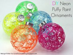 Here's a super simple DIY holiday ornament that you can whip up in a flash that even the kids can have fun creating. Neon puffy paint...