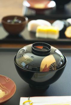 Traditional Japanese New Year's Shikki Lacquerware for Zōni Mochi Soup 雑煮のお椀