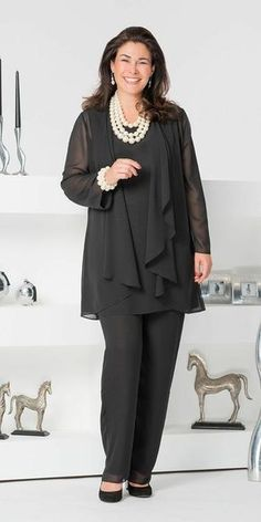 Purple 2020 Mother Of The Bride Pant Suits Dark Navy Three Pieces Chiffon Long Sleeve Jacket Pants Suit Plus Size Wedding Guest Dress Mother Of The Bride Dresses Bride Of Mother Dresses From € Plus Size Wedding Guest Dresses, Chiffon Jacket, Hijab Style, Plus Size Kleidung, Costume, Mother Of The Bride, Plus Size Outfits, Plus Size Fashion, Designer Dresses