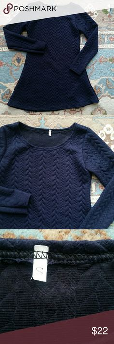 Navy Long Sleeved Cable-print Dress Color is accurate as photographed! Brand unknown. Fits probably more like XS. Dresses Long Sleeve