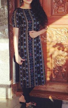 Best 12 goriwala neck – Page 314126142759737248 – SkillOfKing. New Kurti Designs, Simple Kurta Designs, Churidar Designs, Stylish Dress Designs, Kurta Designs Women, Dress Neck Designs, Kurti Designs Party Wear, Designs For Dresses, Kalamkari Dresses