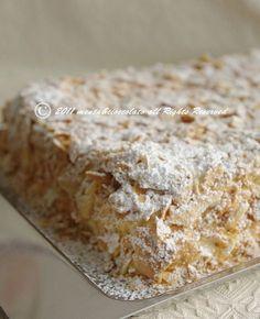 Una Torta Delicatissima con un nome imponente!!..Torta Napoleone! Bakery Recipes, Dessert Recipes, Cooking Recipes, Italian Desserts, Italian Recipes, Torte Cake, Brownie, Sweets Cake, Yummy Cakes