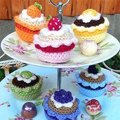 Fruity CupCakes: FREE crochet pattern ༺✿ƬⱤღ http://www.pinterest.com/teretegui/✿༻