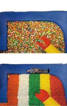 Ursus Wehrli, The art of clean up http://design-milk.com/the-art-of-clean-up-book-ursus-wehrli/play-balls-ursus-wehrlis-above-arranged/