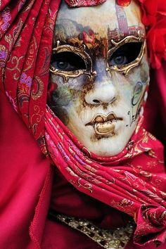 ~Mask of Venice~ There's an elegance to carnival in Venice that Mardi Gras seldom matches. Venetian Carnival Masks, Carnival Of Venice, Venetian Masquerade, Masquerade Party, Masquerade Masks, Venetian Costumes, Venice Carnivale, Masquerade Centerpieces, Mardi Gras