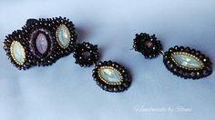 Parure bracciale e orecchini realizzati con varie tecniche tra cui Bead embroidery, Herringbone, Tessitura di perline. Creazione unica by Rami  #handmadebyRami #lemaddine #handmade #lemaddineperlinano #creativity #instagram #madeinitaly #instagood #i #orecchini #earrings #bracciale #parure #jewelry #jewellery #picoftheday #unique #beadembroidery #perno #nero #bianco #oro #rosa #opale #fattoamanoconamore