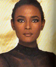 Waris Dirie - Photo - Fashion Model