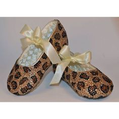 Baby shoes. Crystal Leopard print baby shoes. Must have... www.sweettiptoes.com