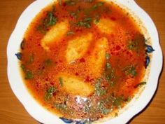 Supa de rosii cu galuste., Rețetă Petitchef Vegan Vegetarian, Vegetarian Recipes, Soup Recipes, Cooking Recipes, Good Food, Yummy Food, Romanian Food, Hungarian Recipes, International Recipes