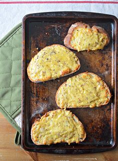 Eat Like the Irish: Baked Cheese Toasties (this would be awesome on some good grain-free bread) yum yum yum! Breakfast or snack toast ? Cheese Toasties, Guinness Beef Stew, Grain Free Bread, Sandwiches, Baked Cheese, Cheddar Cheese, Irish Recipes, Scottish Recipes, Food Trends