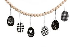 Free Scandinavian black white easter printables on www.everythingelze.com