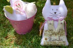 CamomilaRosa e Alecrim: Nasceram gatos e reciclagens aqui em casa...