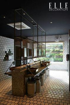 communal sink area - creative twist Industrial Toilets, Industrial Bathroom, Industrial House, Modern Bathroom, Wc Design, Toilet Design, Interior Design Studio, Ideas Baños, Restaurant Bathroom