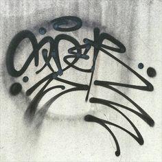 Sider (@sider_1) dishing out razor hands . #sider #handstyle #graffiti //follow @handstyler on Instagram