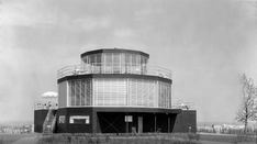 A house built for the 1933-34 Chicago Century of Progress World's Fair that currently sits atop a sand dune in northwest Indiana may one day return to its original condition due to the effort…