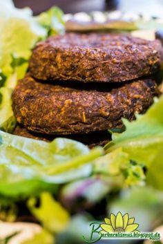 """Outro """"hambúrguer"""" super suculento e delicioso que fica ainda melhor que os de origem animal.Na medida do possível utilize ingredientes or..."""