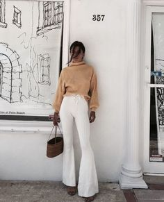 The Fall Fashion 2018 Outfits To Copy Right Away - - Fall Fashion Trends Fashion Trends 2018, Autumn Fashion 2018, Mode Outfits, Fall Outfits, Fashion Outfits, Stylish Outfits, Unique Outfits, Pull Marron, Easy Style