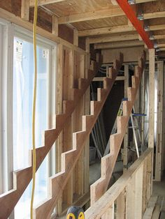 This is How a Staircase Should be Done. Image Gallery on How to Build It.: How to Build Stairs: Stringer