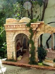 Imagen relacionada Fontanini Nativity, Nativity Stable, Ceramic Houses, Small World, Christmas Diy, Garden Sculpture, Gazebo, Scene, Outdoor Structures