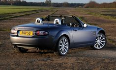 Five recipes were a success Mazda MX-5 is a lightweight, comfortable interior, balanced weight distribution, suspension and multi-link solid skeleton mechanical room.